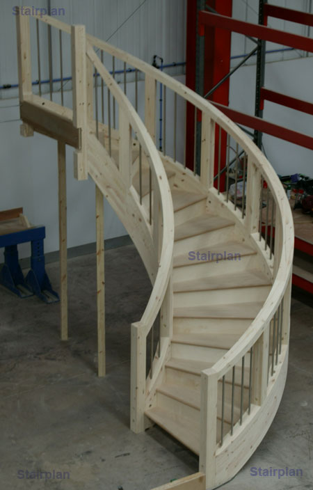 Curved winding staircase