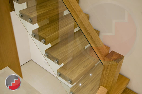 X-vision oak staircases
