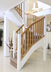 Newark staircase pine with oak handrail parts