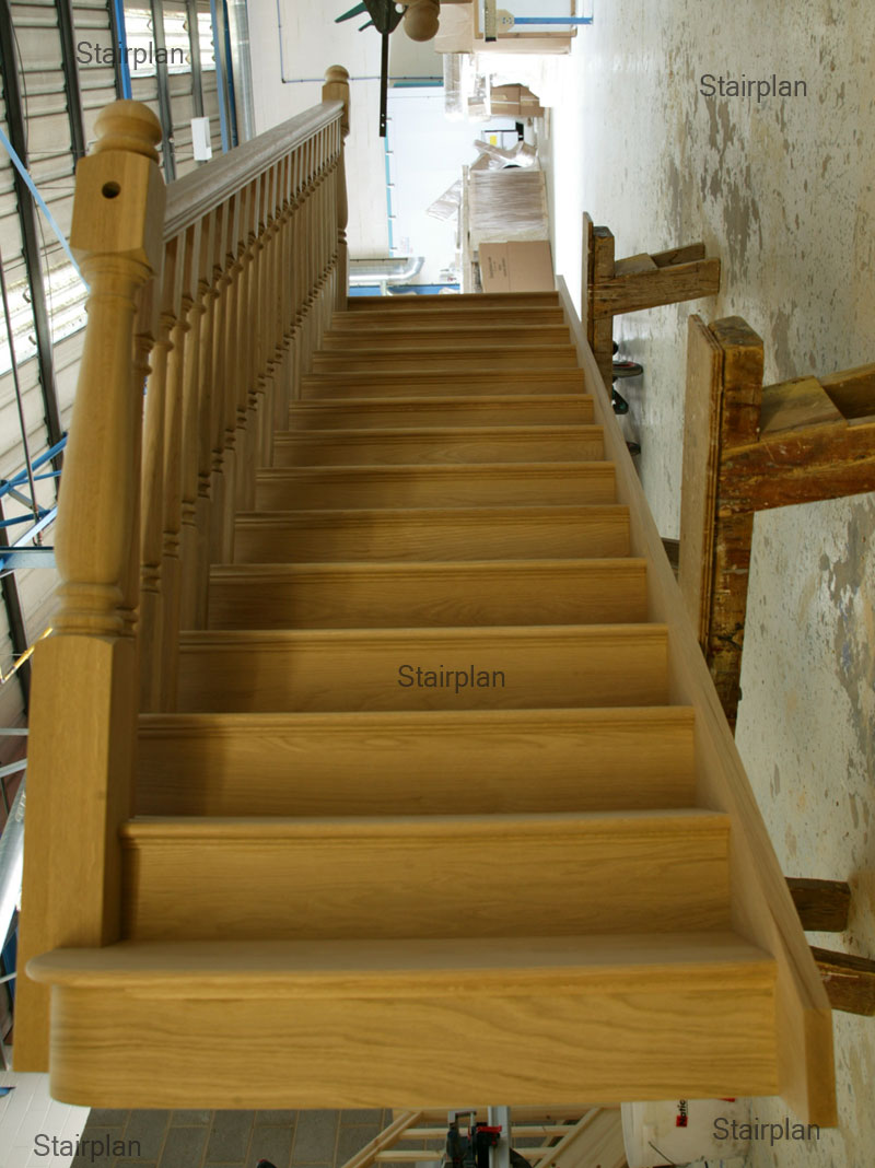 Oak Straight Cut string staircase