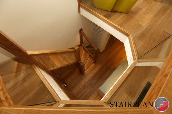 oak staircases from stairplan staircase manufacturers.