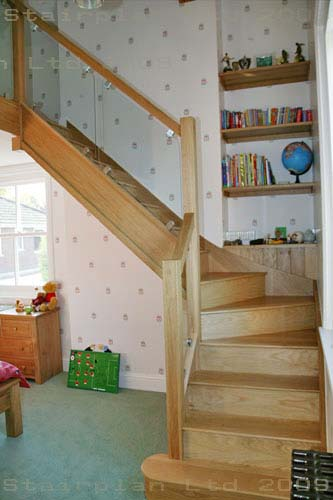 Oak Closed staircase with glass balustrading