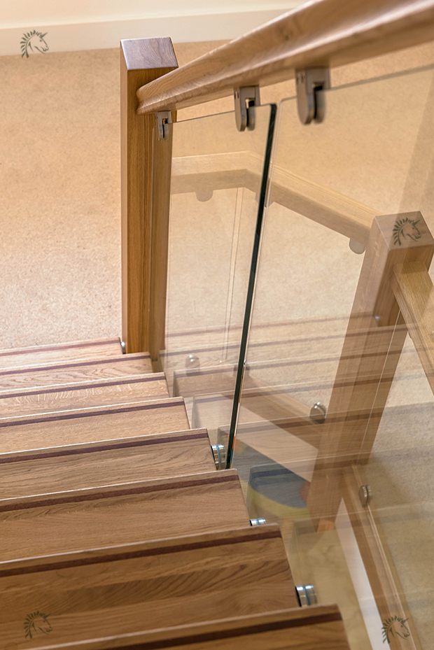 oak z-vision staircase with glass balustrade