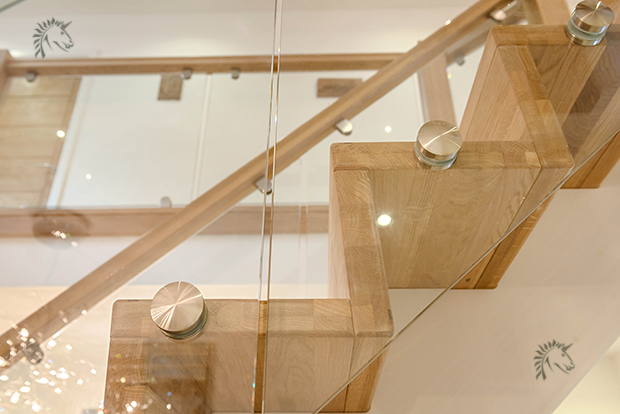 edgelam oak tread on a z-vision staircase